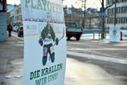 HCT-Plakate wie hier an der Rathausstrasse waren während einer Woche im ganzen Dorf zu sehen. (Bild: Mario Testa)