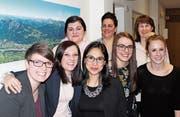Die scheidenden und die neuen Vorstandsmitglieder: hinten Lejla Abdagic, Veronika Ackermann und Elke Vogt, vorne Janina Schumacher, Simona Viecelli, Karina Seiler, Nadine Beeler und Désirée Witschi. (Bild: PD)