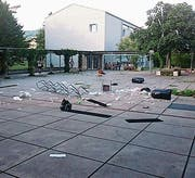 Das Areal des Oberstufenschulhauses Goldach wird regelmässig verwüstet. Die Gemeinde will deshalb Kameras auf dem Gelände installieren lassen. (Bild: PD (September 2017))