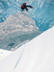 Jan Scherrer bei einem Training in Les Deux Alpes in den französischen Alpen. (Bild: Luca Crivelli)