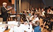 Die Jugendmusik der Bürgermusik Wildhaus, Leitung Christian Schlegel, überzeugt mit Können und Spielfreude. (Bild: Adi Lippuner)