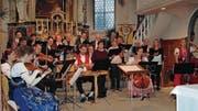 Der Kirchenchor erhält prominente Unterstützung durch die Geschwister Küng und Violinist Jakob Diblik. (Bild: Gisela Tobler)