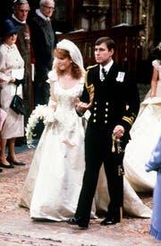 """Prinz Andrew und Sarah """"Fergie"""" Ferguson bei der Trauungsfeier. (Bild: PA WIRE (AP PA, FILE))"""