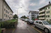 Auf der Arbonerstrasse ist zuweilen viel Verkehr: Eine Sozialhilfebezügerin suchte sich unter anderem deswegen andernorts eine Wohnung. (Bild: Reto Martin)