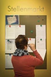 Eine Stellensuchende bei Kompass Arbeitsintegration. (Bild: pd)