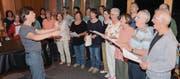 Der Katholische Kirchenchor (Bild) wird unter der Leitung von Uli Zeitler zusammen mit dem Chor Con Tigo mit der «Navidad nuestra» für eine südamerikanische Weihnachtsatmosphäre sorgen. (Bild: Hanspeter Thurnherr)