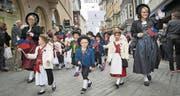 Liechtensteiner Trachtengruppe am Olma-Umzug: Im nächsten Jahr marschieren hier Gäste aus dem Kanton Thurgau. (Bild: Ralph Ribi)