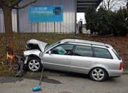 Die Medienstelle der Kantonspolizei machte das Plakat unlesbar: Unfall in Weinfelden, 13. Januar 2018. (Bild: Kapo TG)