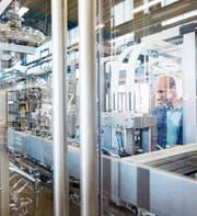 Gefälschte Komponenten können via Zulieferkette in Qualitätsprodukten landen – etwa im Maschinenbau. (Bild: Ute Grabowsky/Getty)