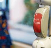 Immer wieder auf den Stop-Knopf gedrückt: Leserinnen und Leser haben für die Reaktion es Chauffeurs Verständnis. (Bild: Rudolf Hirtl)