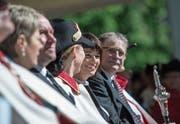 Bundespräsidentin Doris Leuthard gab Bruder Klaus auf dem Sarner Landenberg beim Staatsakt die Ehre. Neben ihr der Obwaldner Landammann Franz Enderli (rechts). (Bilder: Pius Amrein (Sarnen, 30. April 2017))