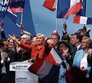 Ist das noch rechtsextrem? Marine Le Pen an einer Wahlkampfveranstaltung in Lille. (Bild: Jean Catuffe/Getty (26. März 2017))