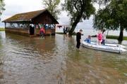 Blick auf das Hochwasser in der Marina Rheinhof in Altenrhein. (Bild: Rudolf Hirtl)