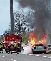 Wegen der Rauchentwicklung und dem Feuerwehreinsatz musste die Autobahn für kurze Zeit gesperrt werden. (Bild: Kantonspolizei)