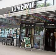 Der Eingangsbereich des Kinos soll neu gestaltet werden. Noch sind aber Fragen offen. (Bild: Simon Dudle)
