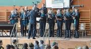 Vor gefüllten Zuschauerreihen sang der Gemischte Chor Salez-Haag anlässlich seines 100-Jahr-Jubiläums. (Bild: Corinne Hanselmann)