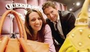 An die Hand genommen: Mit edlen Taschen auf Erfolgskurs sind Maria Teresa und Paolo Durante. (Bild: Donato Caspari)