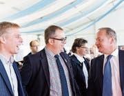 Radio- und Fernsehmann Reto Scherrer mit Kantonsrat Urs Martin und Nationalratspräsident Jürg Stahl. (Bilder: Donato Caspari)