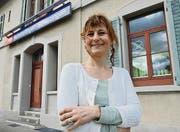 Katja Fischer vor ihrer Schmuckstation in Münsterlingen-Scherzingen. (Bild: Nana do Carmo)