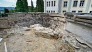 Beim «Kanzeli», wo die grosse Silberlinde gestanden hatte, war man auf Teile des mittelalterlichen Untertor-Turms gestossen. (Bild: Max Eichenberger)
