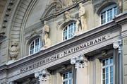 Die Schweizerische Nationalbank (SNB) hat 2017 einen Rekordgewinn erzielt. Die Aufnahme zeigt das SNB-Hauptgebäude. (Bild: Peter Klaunzer/Keystone (Bern,)