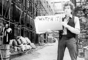 Der Songtext als zentrales Element: Bild aus dem berühmten Musikvideo zum Song «Subterranean Homesick Blues» von 1965. (Bild: Sony Music)