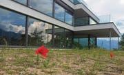 Die Baustelle auf der Liegenschaft «Schneggen» steht nicht mehr lange still. Vier der fünf Wohnungen sind nun so gut wie verkauft. (Bild: Katharina Rutz)