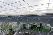 Das Ausschaffungsgefängnis am Flughafen Kloten. (Bild: CHRISTIAN BEUTLER (KEYSTONE))
