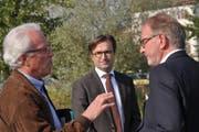 Sieger und Verlierer im Gespräch: Reiner Villinger von der IG Hafen, Stadtpräsident David H. Bon und Investor Hermann Hess. (Bild: Markus Schoch)