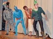 Zebra, Flaschengeist Dschinni, Aladdin und Peter Pan brüten einen neuen Plan aus, um Jasmin zu finden.
