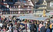Meist scheint am Martinimarkt in Mogelsberg die Sonne. Rund um die zahlreichen Marktstände zu flanieren, macht dann doppelt Spass. (Bild: PD)