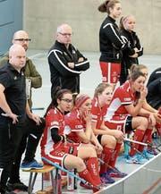 Enttäuschte Gesichter auf der Spielerbank der Red Lions. (Bild: Mario Gaccioli)