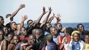 Täglich landen Hunderte Bootsflüchtlinge an den Küsten Italiens. (Bild: IRK/EPA (20. Oktober 2016))