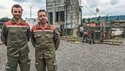 Der Kommandant und sein Stellvertreter verabschieden sich: Für Andreas Bucher und Reto Schenk war es die letzte Übung. (Bild: PD)