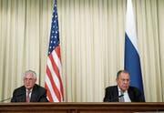 Rex Tillerson (links) und Sergei Lawrow bei der gestrigen Pressekonferenz. (Bild: Sergei Chirikov/EPA (Moskau, 12. April 2017))