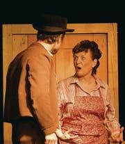 Berta (Lionella Sturzenegger) sträubt sich gegen die Beziehung ihrer Stieftochter mit einem Knecht. (Bild: jw)