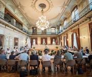 Der Gemeinderat tagt im Grossen Bürgersaal des Rathauses. (Bild: Reto Martin)