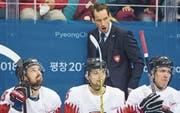 Gegen Tschechien fruchteten die Ansprachen von Trainer Patrick Fischer (hinten) nicht. (Bild: Alexandra Wey/Keystone)