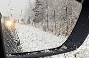 Das Polizeiauto durchbrach den Wildschutzzaun – die Polizisten blieben aber unverletzt. (Bild: Leserreporter FM1Today)