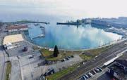 Blick auf die Hafenpromenade: In der Kurve möchte Hermann Hess sein Hotel bauen. (Archivbild: Manuel Nagel)
