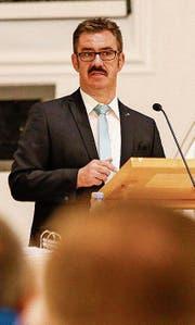 Gemeindepräsident Robert Raths führt durch die Thaler Bürgerversammlung. (Bild: Rudolf Hirtl)