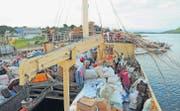 Blick auf das Ladedeck der «Liemba». Das 100jährige Schiff stellt die Versorgung von 50 000 Anwohnern am Tanganjikasee und den Transport von ein paar abenteuerlustigen Touristen sicher. (Bild: Michael Hug)