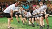Angriffig: Das Team Sevelen Kids I lässt sich von niemandem aufhalten, sichert sich Tages- und Gesamtsieg. (Bilder: Julia Kaufmann)