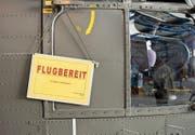Ein Super-Puma-Helikopter, der von der Ruag einer Revision unterzogen worden ist. (Bild: Sigi Tischler/Keystone)