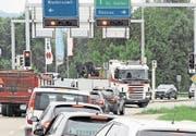 Die Augartenkreuzung in Niederuzwil: 2017 hat der Verkehr gegenüber 2016 um 1,2 Prozent auf (Bild: red)