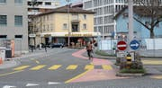 Das nach der künftigen Gestaltung begradigte Stück der Kappelistrasse (Bild) soll zusammen mit dem unteren Teil der Bahnhofstrasse zur Begegnungszone werden. (Bild: Hanspeter Thurnherr)