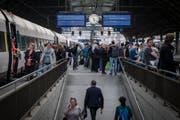 Die Züge von St.Gallen nach Zürich sind immer gut besetzt - jetzt soll es noch schnellere Verbindungen geben. (Bild: Benjamin Manser)