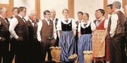 Der Jodelclub Alvier eröffnet den Unterhaltungsabend mit Liedern, die gut zur Frühlingsstimmung passen.