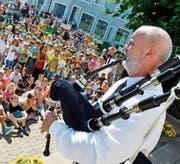 Ronnie Bromhead, Dudelsackbläser aus Hannover. (Bild: Fritz Heinze)