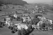 Die Psychiatrische Klinik in Herisau auf einer Postkarte um 1950. Nicht nur hier wurden Medikamente an Personen getestet. (Bild: Staatsarchiv Appenzell Ausserrhoden)